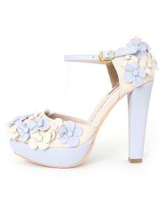 3D Flower Embellished Pumps /DS3256  $79.90USD