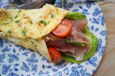 Æggepandekage med parmaskinke. Sunde æggepandekager som kan spises til morgenmad eller aftesmad - men de kan også gemmes og bruges kolde i madpakken.