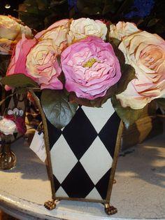 Harlequin vase, LOVE