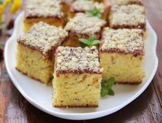 40 Retete - Prajituri de casa pentru sarbatori - Desert De Casa - Maria Popa Cake Recipes, Dessert Recipes, No Cook Desserts, Food Cakes, Cornbread, Banana Bread, Carrots, Gem, Sweets