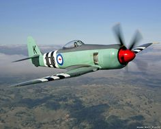 One of my all time faves. The gorgeous Hawker Sea Fury. Aircraft Photos, Ww2 Aircraft, Military Aircraft, Australian Defence Force, Royal Australian Air Force, Fighter Pilot, Fighter Jets, The Art Of Flight, Propeller Plane