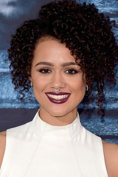 Nathalie Emmanuel Short Curls - Nathalie Emmanuel attended the 'Game of Thrones' season 6 premiere wearing her hair in tight, high-volume curls. Beautiful Celebrities, Beautiful Actresses, Beautiful People, Beautiful Women, Volume Curls, Half Girlfriend, Game Of Throne Actors, Nathalie Emmanuel, Short Curls