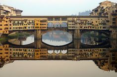 Il Ponte Vecchio, Florence - Italy Is a medieval bridge over the Arno River. Actually, it's much more than a bridge – it's a street, a marketplace, and a landmark of the city Oh The Places You'll Go, Places To Travel, Places Ive Been, Places To Visit, Hangzhou, Rome Florence, Florence Bridge, Florence Shopping, Pont Paris