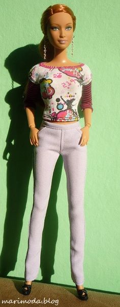 Skinny jeans for Barbie, pattern and instructions, not in English.