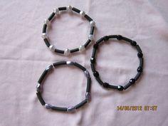 Armbånd med gummirør og perler