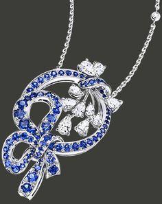 Pendentif Les Jardins du Petit Trianon « Les Glycines »  en or blanc 18 carats pavé de 87 saphirs bleus (2,75 ct) et de diamants taille pire (1,59 ct) sur chaîne en or blanc 18 carats sertie de diamants. 2011