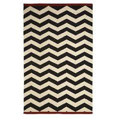 diy chevron rug from designstocker.blogspot.com