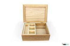 Caixa de madeira com tabuleiros no interior para vários objetos. http://loja.mediapack.com/pt/caixa-com-tabuleiro/