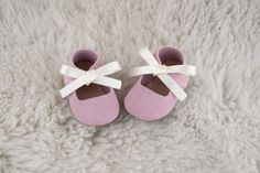 Baby Girl Shoes Baby Moccasins Pink Leather Mary by CriaBabyShoes