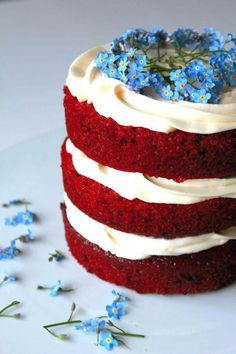 Labor Day is around the corner and what better way to celebrate than with a festive red velvet cake decorated with blue flowers and cream cheese frosting.