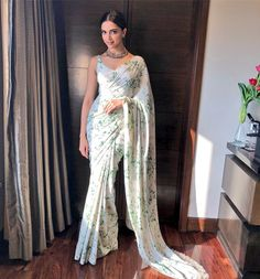 Deepika Padukone is undoubtedly one of the most fashionable women in the industry. Check out the best stunning images of Deepika Padukone in Saree. Sabyasachi Sarees, Bollywood Saree, Bollywood Fashion, Indian Sarees, Lehenga Choli, Anarkali, Bollywood Actress, Bollywood Celebrities, Silk Sarees