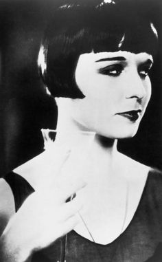 """Diary of a Lost Girl""-Louise Brooks Silent film, however, you could feel the hurt, the betrayal, and waywardness of Louise in this film. Louise Brooks, Lost Girl, Hollywood Scenes, Old Hollywood, Hollywood Stars, Hollywood Divas, Hollywood Actresses, Classic Hollywood, Roaring Twenties"