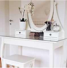 Deliciously at Home - Decor - Organization - Wellness: 55 toucadores My New Room, My Room, Home Bedroom, Bedroom Decor, Bedrooms, Design Bedroom, White Dressing Tables, Dressing Table Decor, Dressing Room