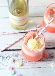 Save this ice cream cocktail recipe to make a Moscato Float for your summer brunch.
