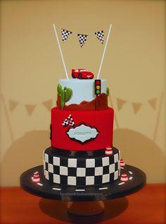 Lightning McQueen - This is a Lightning McQueen's cake I've made for Jorgito's anniversary.