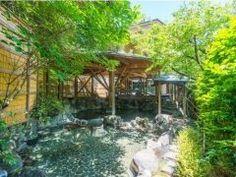 静岡県河津にある森香る渓流沿いに佇む温泉と地 魚の宿 運龍は約5万坪もの敷地を持つこの温泉宿 客室からは美しい庭園が望め館内にはゆったりと穏やかな時間が流れている気がします 9つの大浴場5つの露天風呂2つの貸切風呂がありますがどれも森の中にいるかのような気分を味わうことができますよ tags[静岡県]