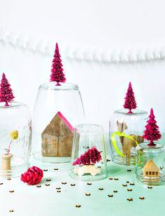 Glazenstolpen maar dan anders! Met deze glazen potten en vazen creëer je een eigen stilleven. En met kerst staan deze kerststolpen extra gezellig.