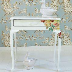 Decoupage a bedside table - Ideas