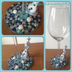 Frozen Disney, Olaf Frozen, Disney Wine Glasses, Jars, Diy And Crafts, Cricut, Party Ideas, Bling, Facebook