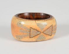 Superb Nupé bracelet, Nigeria - Ivory patina of use ... Primitive Arts at room sales Chinon   Auction room Chinon