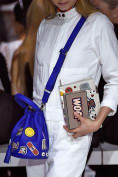 2015 anya hindmarch bag - ready to wear - instant message bag Anya Hindmarch, Michael Kors Outlet, Michael Kors Bag, Look Fashion, Fashion Bags, Latest Fashion, Fashion Trends, Unique Purses, Mk Handbags