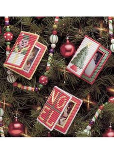 Plastic Canvas - Special Occasions - Christmas Ornaments - Book Frame Ornaments - #FP00293