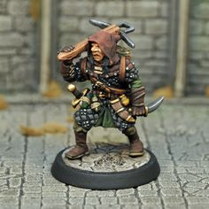 DAD10 – Male Half-orc Assassin | Otherworld Miniatures