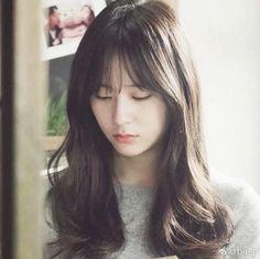 She looks cute in bangs😻 Jessica & Krystal, Krystal Jung, Jessica Jung, Cute Girls, Cool Girl, Pretty Females, Beautiful Soul, Hairstyles With Bangs, Kpop Girls
