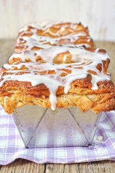 Cinnamon Pull Apart Bread, Pizza Tarts, Brunch, Tasty, Yummy Food, Cheesecake Brownies, Cinnamon Apples, Greek Recipes, Sweet Bread