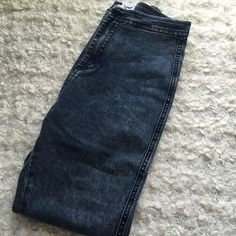 NWT AA acid wash easy jean NWT AA acid wash easy jean   NWT size XL retail:80 ship within 1-2days. price is firm ⛔️no trade⛔️ American Apparel Jeans Skinny