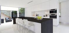 Plan je een (nieuwe) keuken, dan komt meestal het werkblad als laatst te kiezen materiaal aan bod. Wordt het graniet, beton of kunststof? Kijk niet alleen naar de lo
