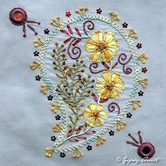 Gipsy Quilt: Broderie...I love the paisley design and all the pretty things going on around and inside the paisley!