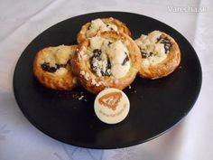 Bezlepkové moravské koláče - recept | Varecha.sk Muffin, Breakfast, Food, Basket, Morning Coffee, Muffins, Meals, Cupcakes, Yemek