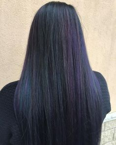 If I can't go full color on the oil slick trend because of work, I'm definitely doing this. I love that it's like the feathers of a raven. Seems like black from far away but really there's a lot of subtle colors once you really look.