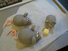 Fondant Mice by Jieeemin, via Flickr