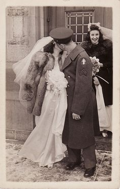 Winter Wedding Kiss, 1940's
