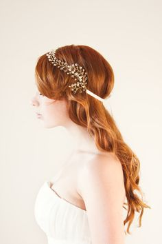 Handmade hair accessory for the bride by Sibo Designs