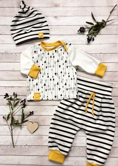 Baby clothes sample colors and Babykleidung Beispiel Farben und Muster Baby clothes sample colors and patterns - Baby Girl Dress Patterns, Baby Clothes Patterns, Cute Baby Clothes, Kids Patterns, Baby Outfits, Kids Outfits, Knitting Baby Girl, Baby Knitting Patterns, Baby Sewing Projects
