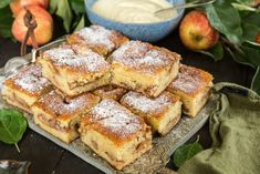 Apple squares with cinnamon and cardamom Swedish Recipes, Sweet Recipes, Cake Recipes, Dessert Recipes, Pause Café, Sweet Bakery, Fika, Vegan Baking, Cookie Desserts