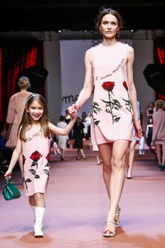 Dolce & Gabbana Ready To Wear Fall Winter 2015 Milan