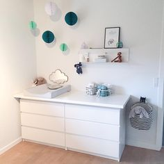 125 smartest and most functional nursery hacks -page 27 Baby Bedroom, Baby Room Decor, Girls Bedroom, Ikea Nursery, Nursery Room, Kids Bedroom Accessories, Ideas Habitaciones, Ikea Kids Room, Baby Changing Tables