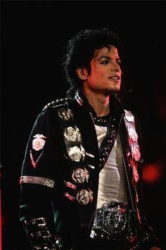 Michael Jackson 1981 . 1990