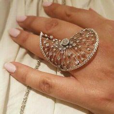 Luxury Jewelry, Gold Jewelry, Fine Jewelry, Gold Diamond Wedding Band, Stylish Rings, Wedding Jewelry, Jewelry Gifts, Gemstone Rings, Jewelry Design
