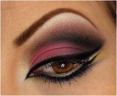 Find great makeup tutorials for hazel / brown eyes. Best makeup tips and videos on how to apply makeup on hazel-brown eyes by professional makeup artists. Sexy Eye Makeup, Beautiful Eye Makeup, Eye Makeup Tips, Makeup For Brown Eyes, Smokey Eye Makeup, Love Makeup, Makeup Ideas, Makeup Contouring, Makeup Tutorials