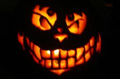 Evil Cheshire Cat Pumpkin by keeper-of-vilya on DeviantArt Cat Pumpkin Carving, Halloween Pumpkin Stencils, Pumpkin Carving Templates, Halloween Mug, Halloween Pumpkins, Halloween 2013, Halloween Ideas, Cheshire Cat Pumpkin, Pumpkin Carver