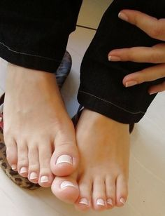 Because we love feet. Just the beauty of women's feet. Nice Toes, Pretty Toes, Feet Soles, Women's Feet, Pies Sexy, Sexy Zehen, Sexy Legs, French Pedicure, Toe Polish