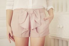 i am in love with bow shorts