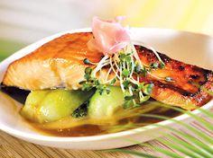 Add bok choy & rice, soy sake glazed #salmon: http://www.floridaseafood.com/scottish-salmon-starting-with-3-5-lbs/