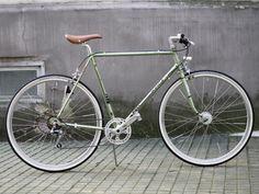 Puch Clubman - Hellgrün - reanimated-bikes Vintage Bicycles, Custom Bikes, Bicycles, Custom Motorcycles, Custom Bobber, Vintage Bikes