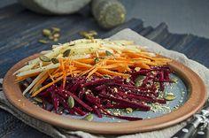 Herbstlicher Rohkostsalat mit Roter Bete, Karotten und Äpfeln